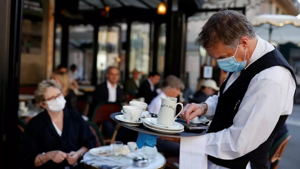 Paris-France-dceconfinement-Cafe-de-Flore.jpg