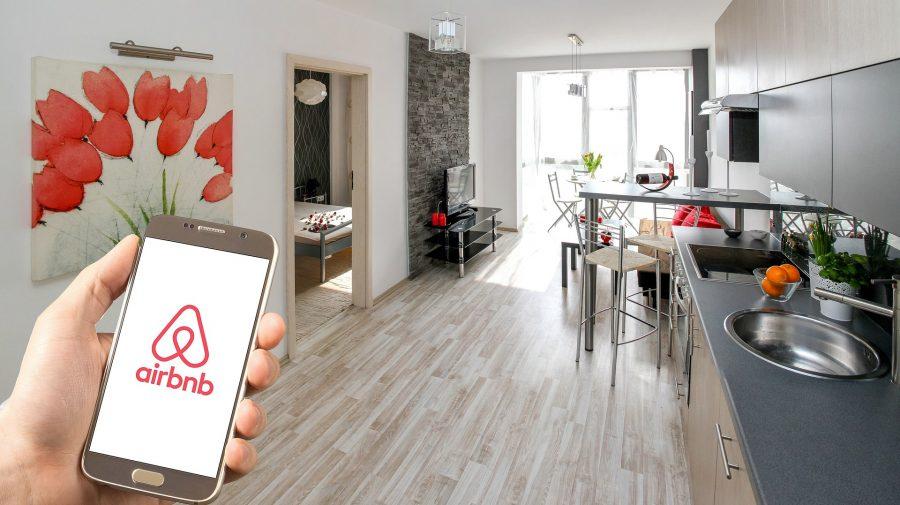 airbnb-3399753_1920_0-900x505-1.jpg