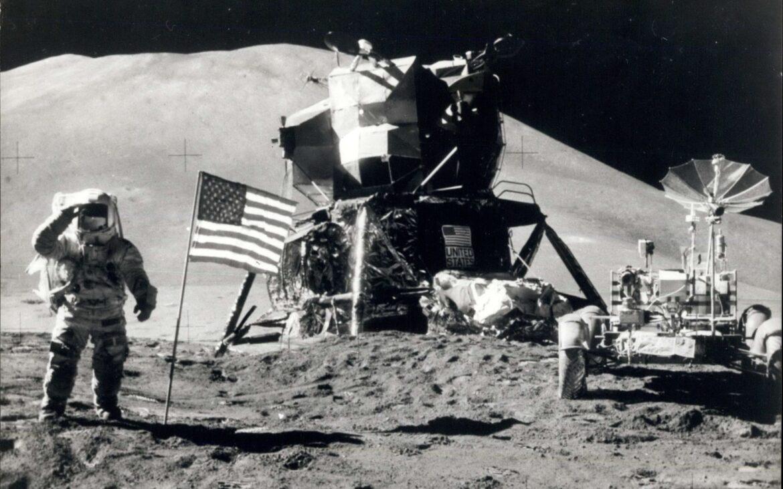 (foto) Astăzi, se împlinesc 50 de ani de la prima misiune în care oamenii au condus un vehicul pe Lună