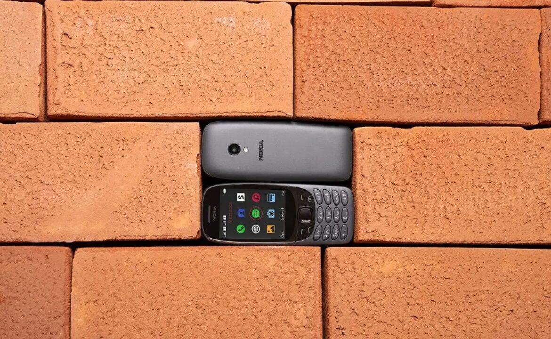 (foto) La aniversarea celor 20 de ani, Nokia 6310 revine pe piață! Care va fi prețul telefonului mobil
